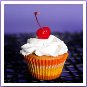 Пирожное «Капкейк с вишенкой»