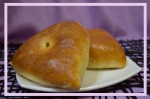 Пирожок печёный с повидлом